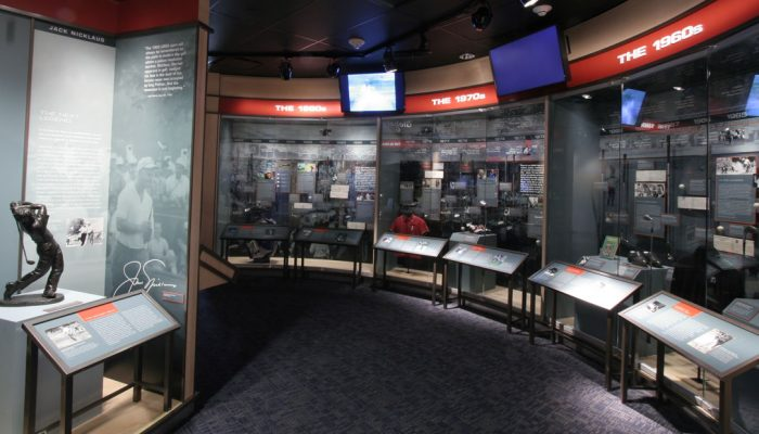 There are over 1200 exhibits at the USGA museum