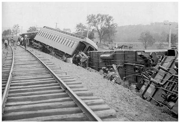 FH_Train-wreck-1908-Mr-Local-History-Project