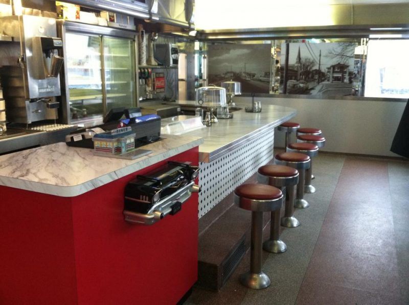 No diner is complete without counter service.